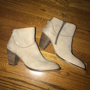 Steven Madden Wesleyy Leather booties size 8